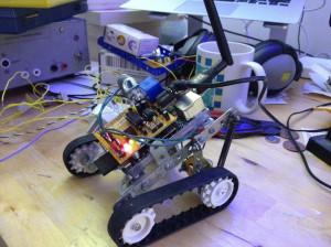Zgodnja različica robota, ki je že uporabljala MotorPiTX