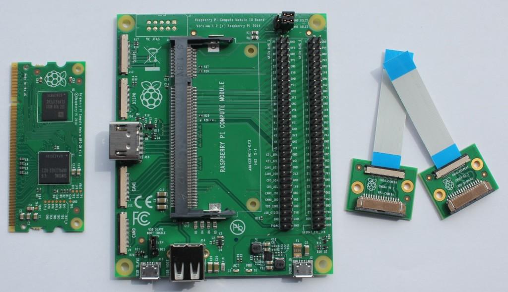 Razvojni komplet Računalniškega modula Raspberry Pi (vključuje tudi 5 V napajalnik in USB kabel)